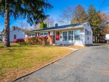 26 Brittany Rd, Springfield, MA 01151