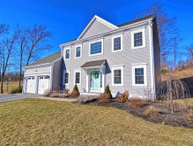 650 Shining Rock Dr, Northbridge, MA 01534